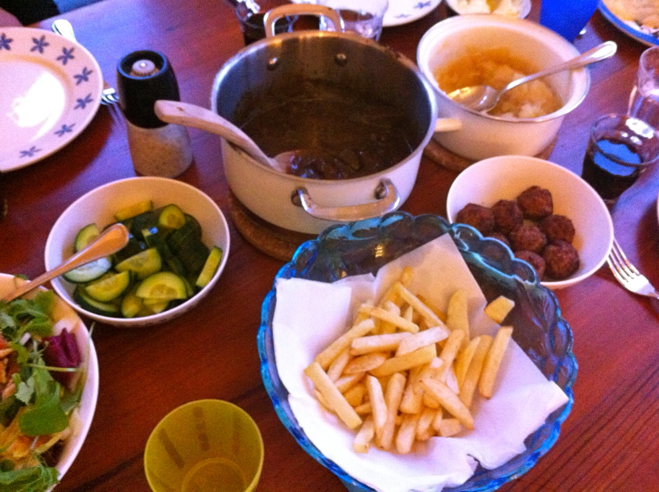 tafel patat moes paard mayo