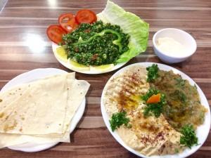 Tabbouleh, baba ganoush en hummus